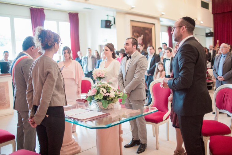 You are looking for a professional women photograph for your wedding? Mariem will be happy to join you abroad for example in Dubai, Qatar, Doha or any other emirates Middle East countries.